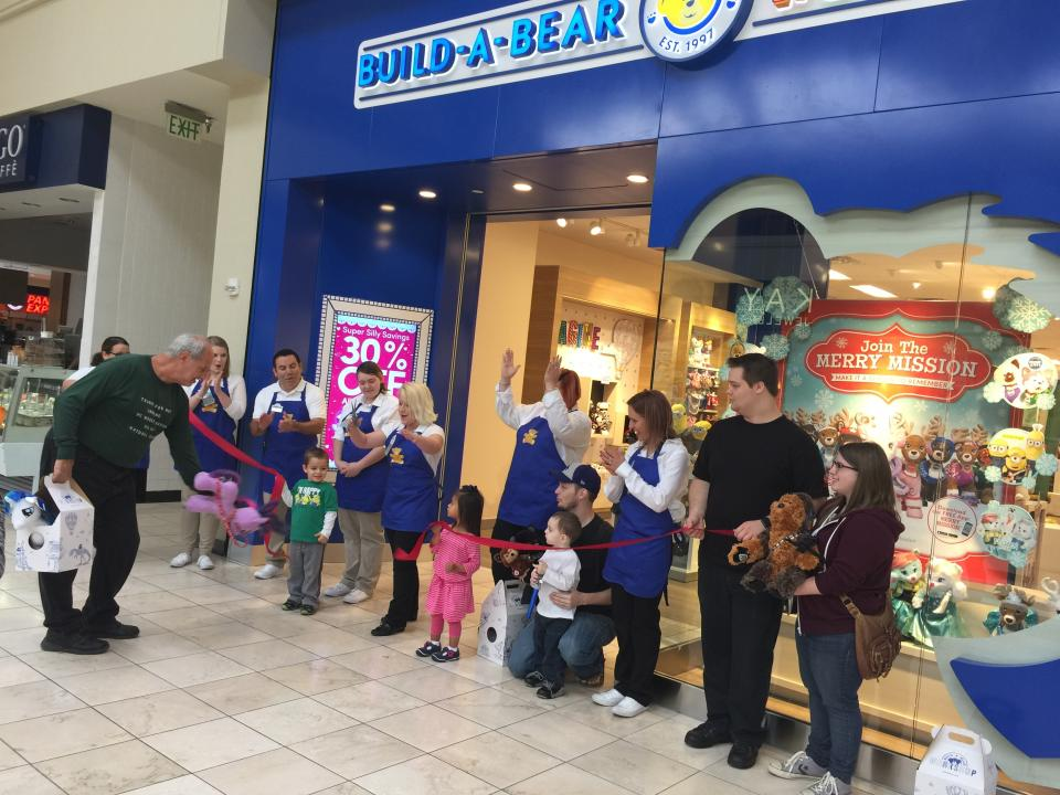 Dec 02,  · The last time I went to a Build-a-Bear store it was filled with kids. The whole experience is great if you are a kid, but I prefer simply going to the web and