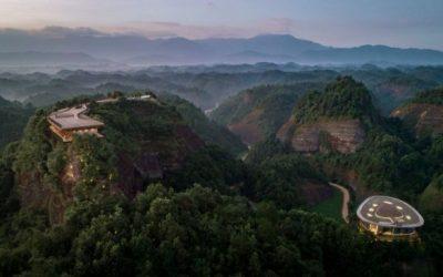 El espectacular hotel en la cima de una montaña en China