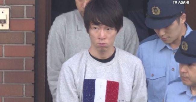 Un cajero japonés, detenido por memorizar tarjetas de crédito de sus clientes para hacer compras fraudulentas