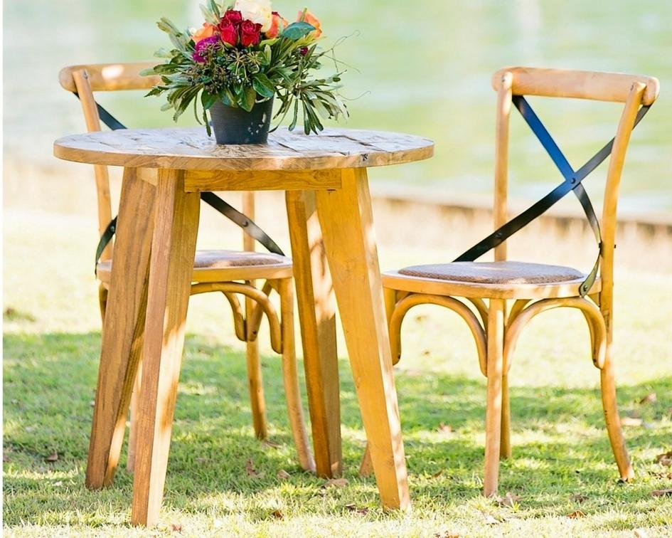 Round timber table - Splash Events, Noosa & Sunshine Coast