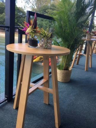 Round oak dry bar - Splash Events, Noosa & Sunshine Coast