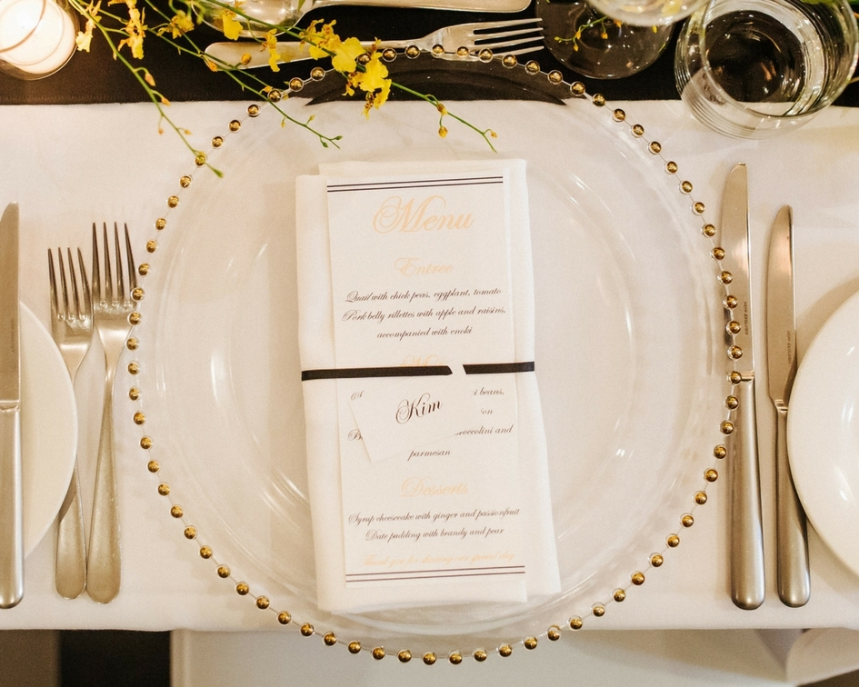Gold beaded glass charger plates - Splash Events, Noosa & Sunshine Coast