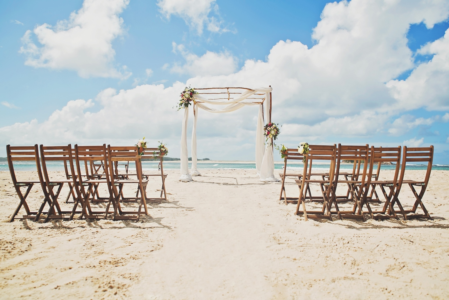Rustic beach ceremony package - Splash Events, Noosa & Sunshine Coast