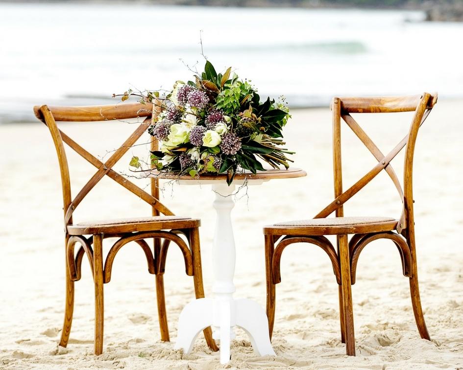 Round natural timber registry table white legs - Splash Events, Noosa & Sunshine Coast