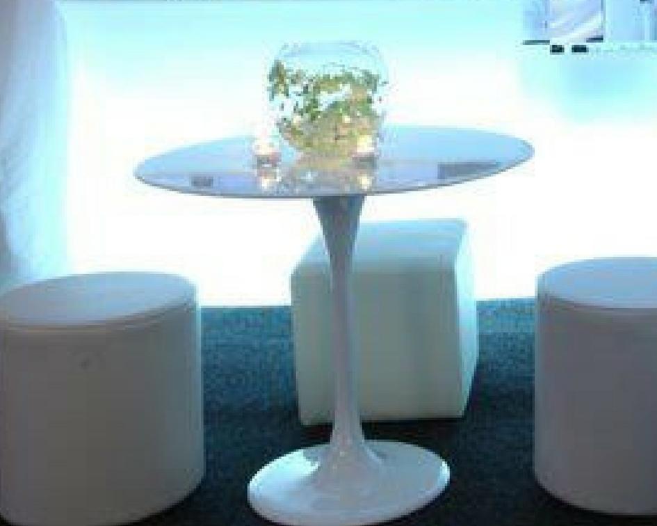 Round tulip table - Splash Events, Noosa & Sunshine Coast