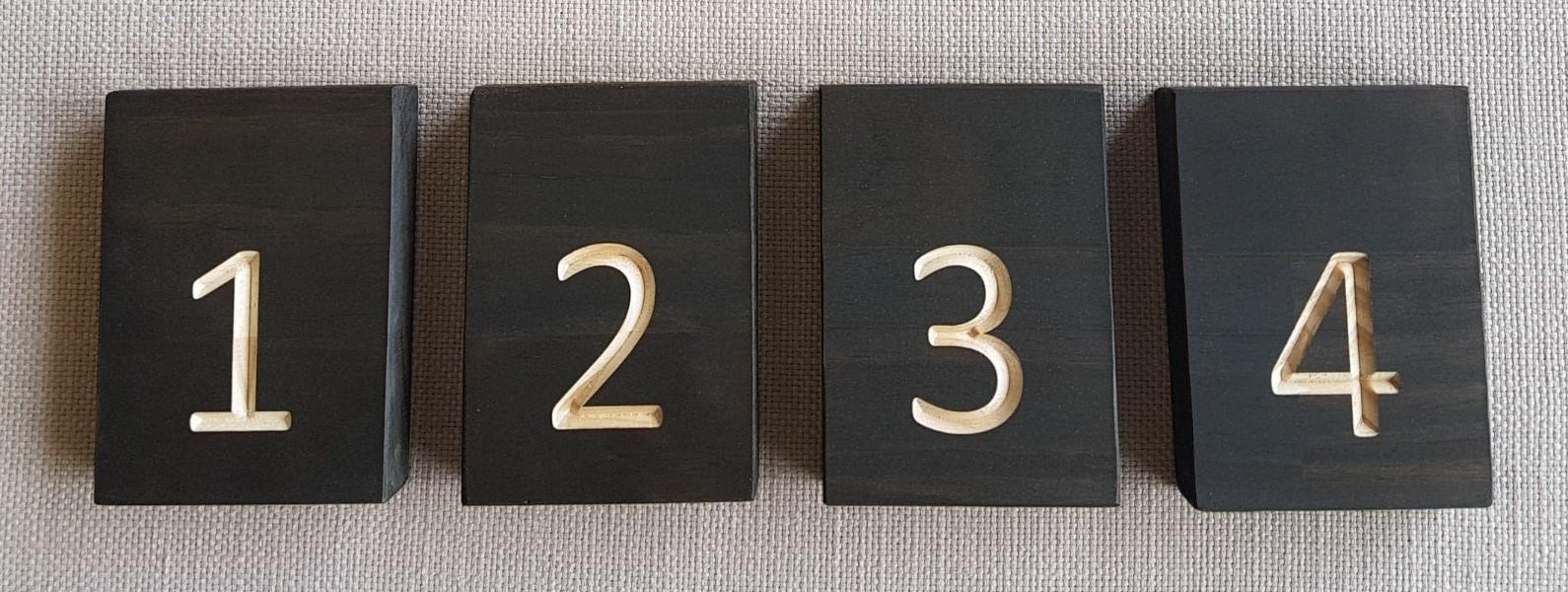 Dark stain block table numbers - Splash Events, Noosa & Sunshine Coast
