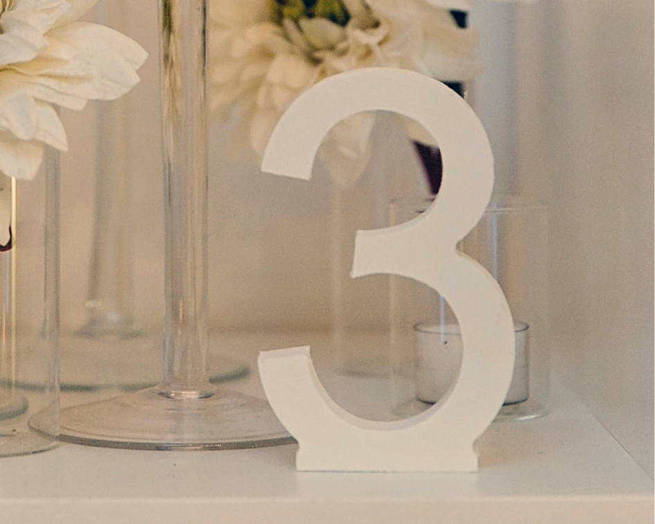 White wooden table numbers - Splash Events, Noosa & Sunshine Coast