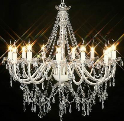 Large white crystal chandelier - Splash Events, Noosa & Sunshine Coast