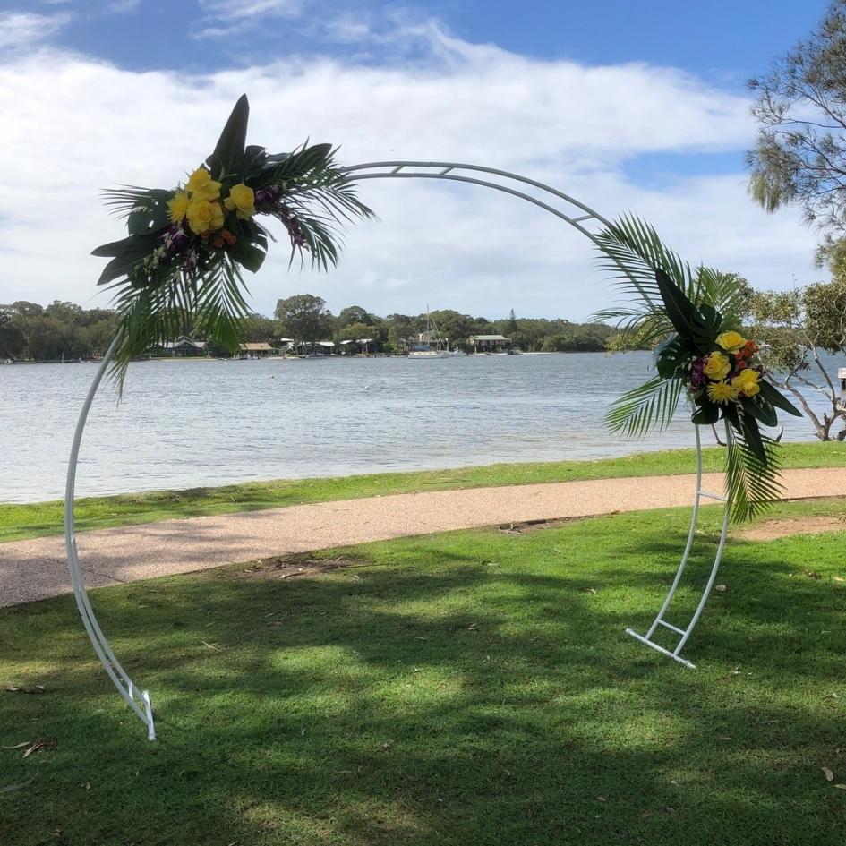 Round white arbour (large) - Splash Events, Noosa & Sunshine Coast
