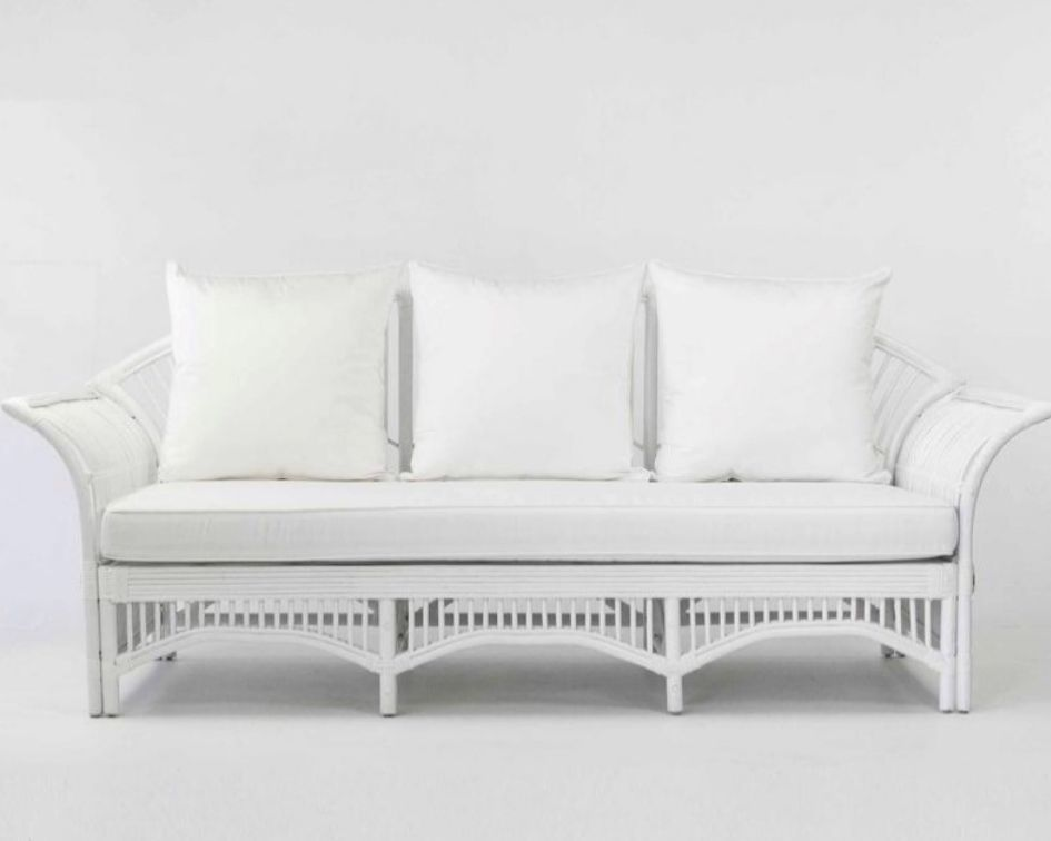 White havana sofa - Splash Events, Noosa & Sunshine Coast