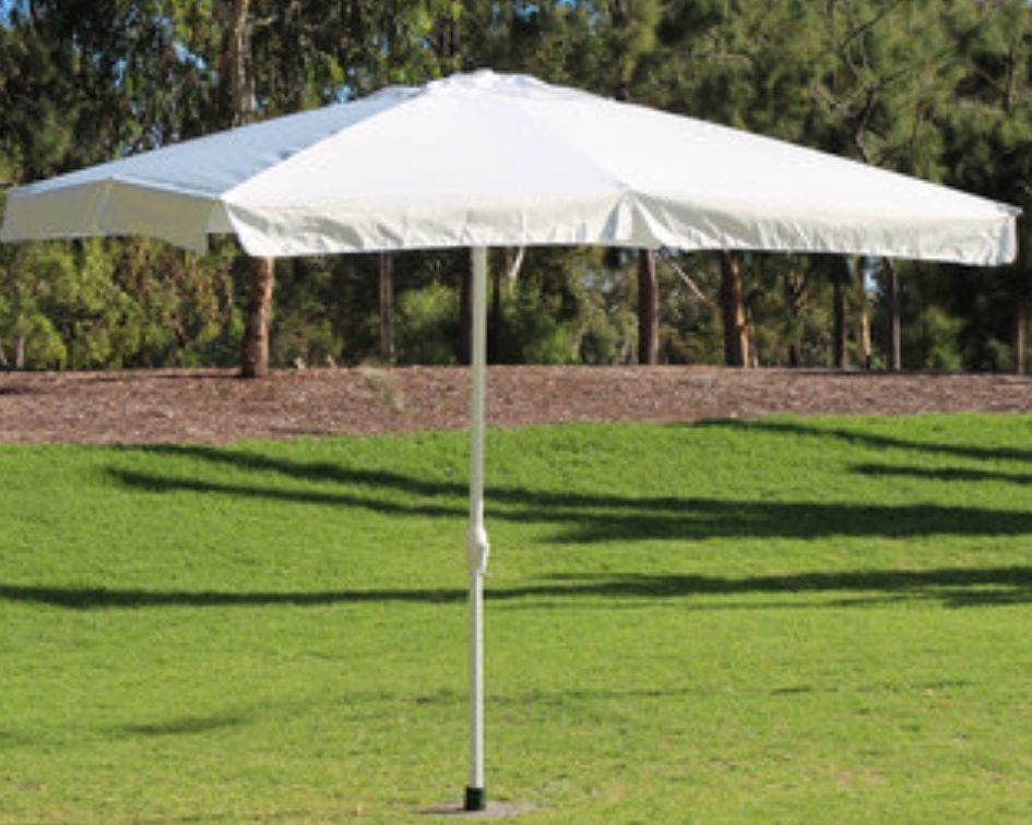Large White market umbrella - Splash Events, Noosa & Sunshine Coast