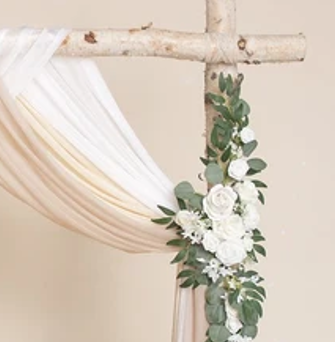 Artificial floral for canopy posts - Splash Events, Noosa & Sunshine Coast