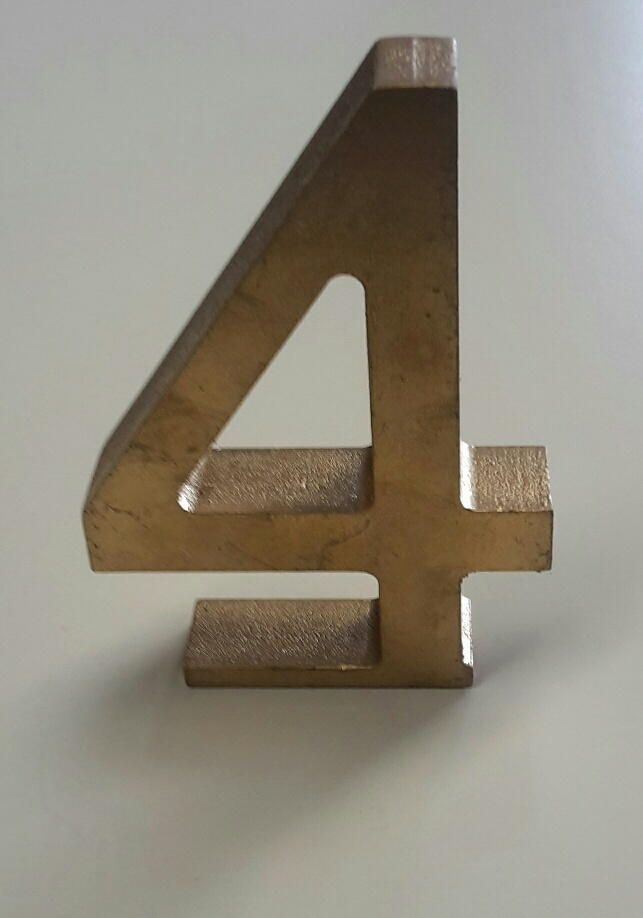 Gold wooden table numbers - Splash Events, Noosa & Sunshine Coast