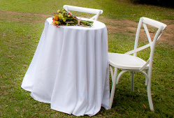 Round registry table with cloth to the floor - Splash Events, Noosa & Sunshine Coast