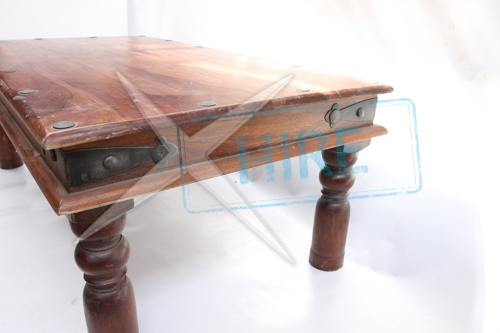 Thaket Table