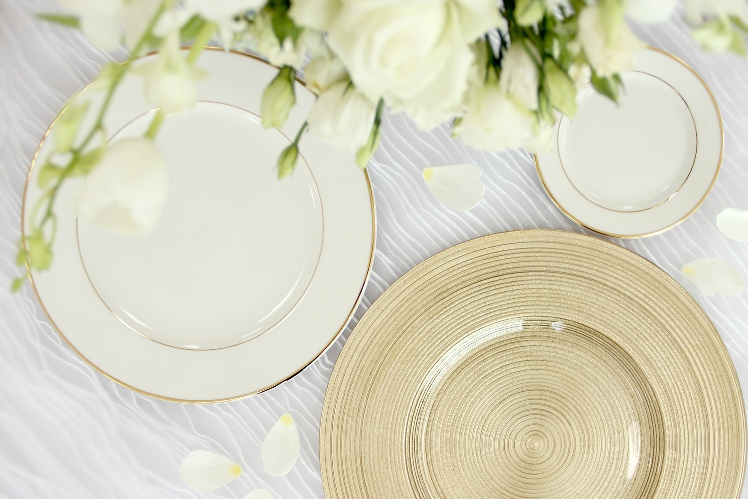Dinnerware & Charger Plates