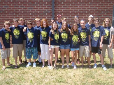 Prince Of Peace Hs Youth In Mifflinburg Pa For Workcamp 2010 T-Shirt Photo