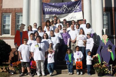 Memory Walk Team 2010 T-Shirt Photo
