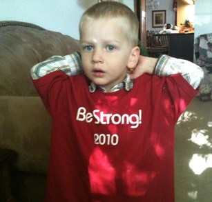 Be Strong! T-Shirt Photo