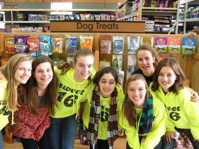 Sweet 16 Scavenger Hunt   The Yellow Team T-Shirt Photo