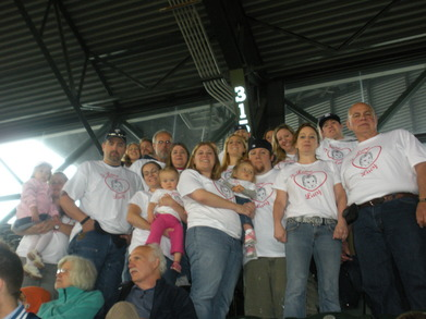 Cure Sma For Lucy Jones  Seattle Mariners Game T-Shirt Photo