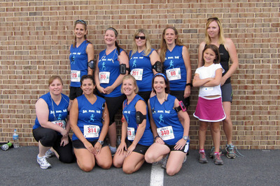 Run, Mama, Run Team!! T-Shirt Photo