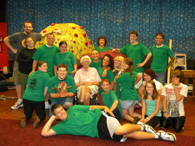 "Cast And Crew Of ""Little Shop Of Horrors"" T-Shirt Photo"