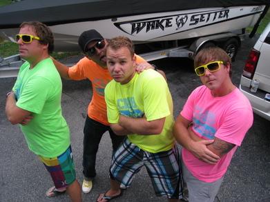 Club Applebees Crew T-Shirt Photo