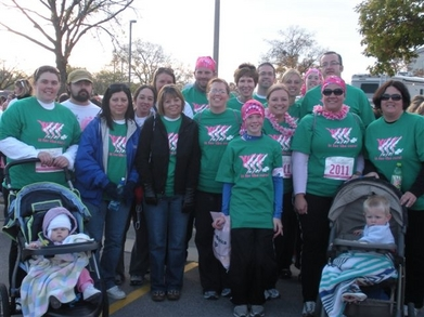 2011 Race For The Cure   Des Moines, Ia T-Shirt Photo