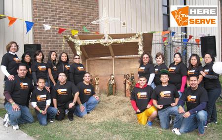 Sirviendo A Dios Y A La Comunidad T-Shirt Photo