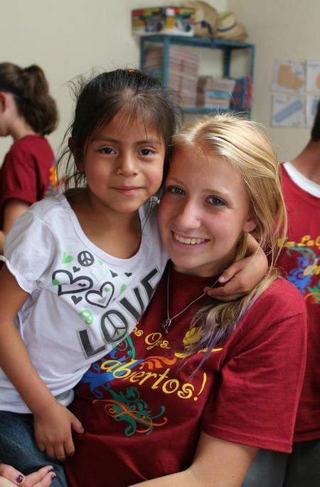 Con Los Ojos Abiertos! In Guatemala! T-Shirt Photo