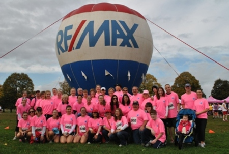 Team Re/Max T-Shirt Photo
