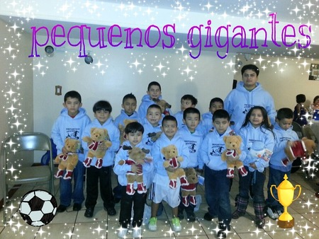 Deportivo Pequenos Gigantes Soccer Team T-Shirt Photo