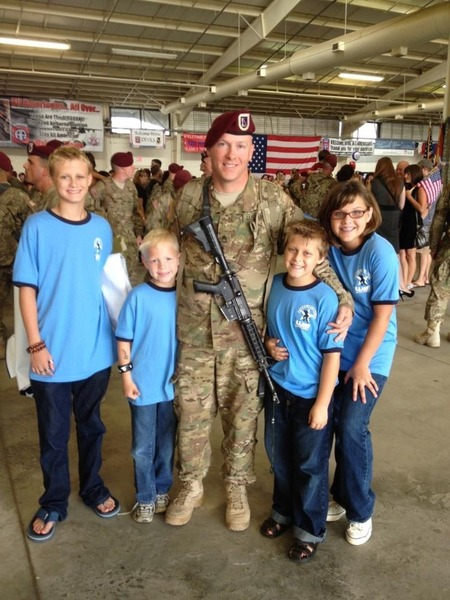 Sfc David Reid Sr. Welcome Home Daddy T-Shirt Photo