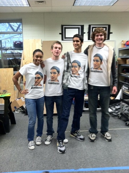 Great Friends Deserve Great T Shirts! T-Shirt Photo