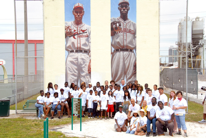 Murals For Dorsey Park Volunteers T-Shirt Photo