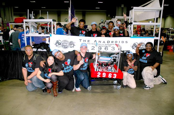 Ana Droids Team Photo T-Shirt Photo
