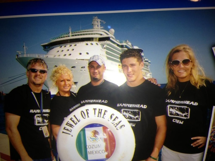 Hammerhead Crew Cruise To Cozumel T-Shirt Photo