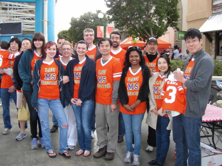 Lsu Ms Research Team Won Best Team Sprit Award In Walk Ms Shreveport 2013 T-Shirt Photo