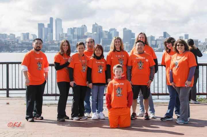 Team Kw At The Seattle Walk Ms 2013 T-Shirt Photo