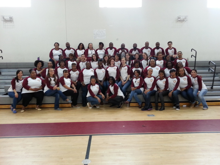 Friendship Se Teachers Are Happy! T-Shirt Photo