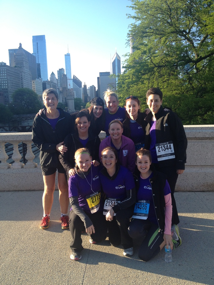 Eved Runs The Chase Corporate Challenge In Chicago T-Shirt Photo