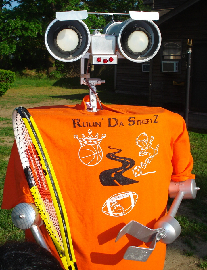 Robot Promotes Out Of World New Business, Rulin' Da Steet Z Sports League. T-Shirt Photo