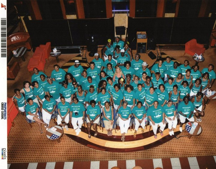 Family & Friends Cruise 2104 T-Shirt Photo