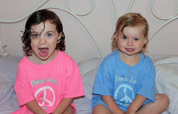 My Little Supporters. T-Shirt Photo