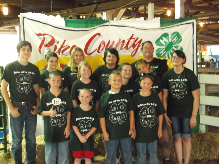 Feathers And Fur 4 H Club After 2013 Rabbit Show T-Shirt Photo