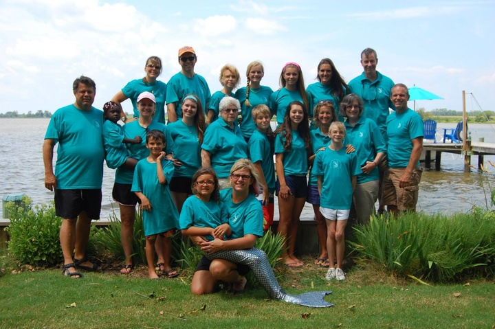 Paw Paw Landing T-Shirt Photo