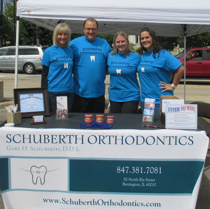 Schuberth Ortho Sidewalk Days T-Shirt Photo