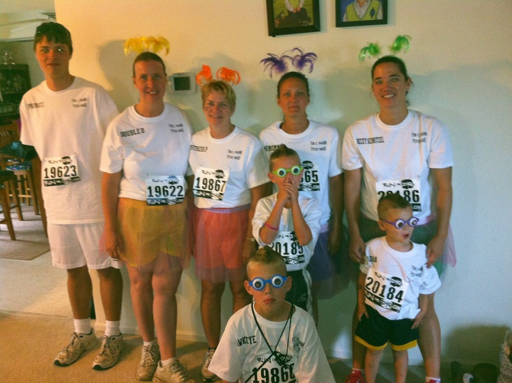 Mommy And Me Color Run Team T-Shirt Photo