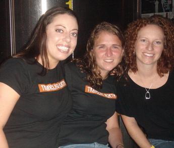 Traveling North Chics T-Shirt Photo